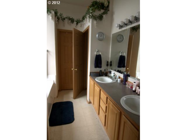 504 169TH Ave - Photo 11