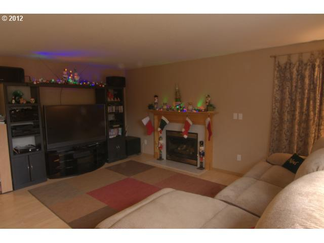 504 169TH Ave - Photo 5