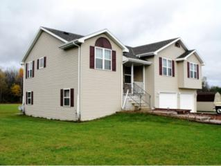 2192  Woodview Rd  , Oconto, WI 54153 (#50109431) :: Todd Wiese Homeselling System, Inc.