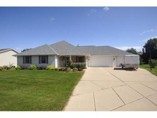 1516  Winter Park Ct  , Green Bay, WI 54313 (#50106825) :: Dallaire Realty