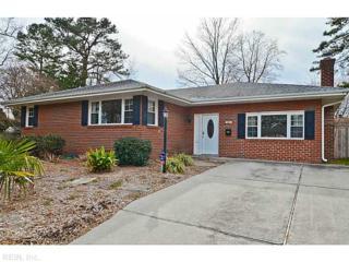 425  Lynn Shores Dr  , Virginia Beach, VA 23452 (#1506038) :: The Kris Weaver Real Estate Team