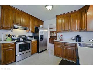 125  Millside Way  , York County, VA 23692 (#1507271) :: The Kris Weaver Real Estate Team