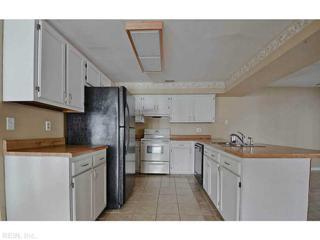 829  Dryden St  , Virginia Beach, VA 23462 (#1507251) :: The Kris Weaver Real Estate Team