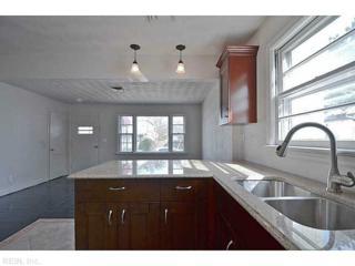 825  Pollard St  , Norfolk, VA 23504 (#1518254) :: The Kris Weaver Real Estate Team