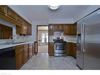 5604  William And Mary Ct  , Virginia Beach, VA 23455 (#1519733) :: The Kris Weaver Real Estate Team