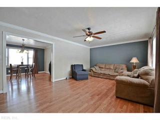 201  Cameron Dr  , Newport News, VA 23606 (#1509811) :: The Kris Weaver Real Estate Team