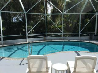 372  Hammocks Trail  , West Palm Beach, FL 33413 (#RX-10068288) :: The Torrance Group
