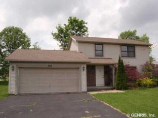 903  Meadow Ridge Ln  , Webster, NY 14580 (MLS #R273652) :: Robert PiazzaPalotto Sold Team