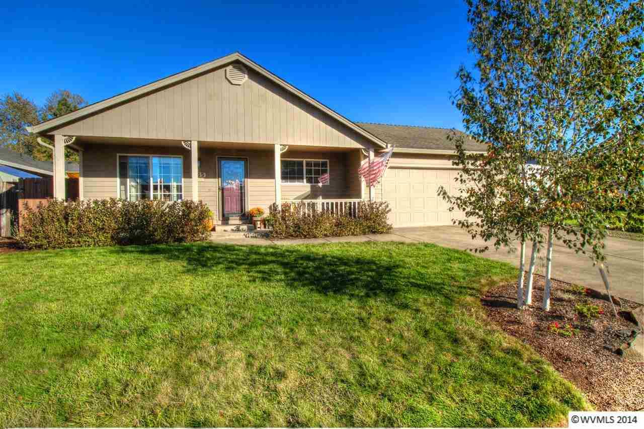 355 S 5th St  , Jefferson, OR 97352 (MLS #683226) :: The Broker Duo