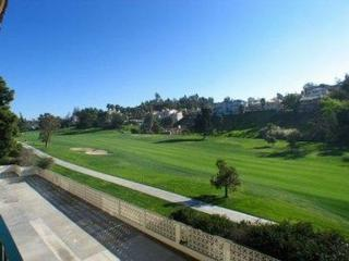 2507  Navarra Drive  201, Carlsbad, CA 92009 (#140042035) :: The Marelly Group | Realty One Group