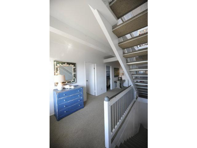 526 Beach Dr - Photo 18