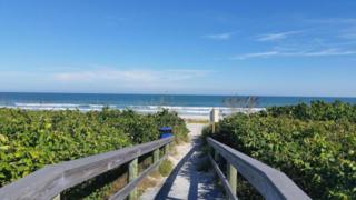 3170 N Atlantic Avenue  213, Cocoa Beach, FL 32931 (MLS #711324) :: Prudential Star Real Estate