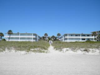 4800  Ocean Beach Boulevard  123, Cocoa Beach, FL 32931 (MLS #724749) :: Prudential Star Real Estate