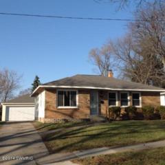 1025  Truxton Avenue NE , Grand Rapids, MI 49505 (MLS #14066110) :: The Yoder Team