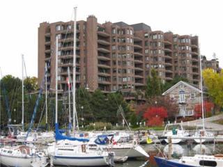 100 E Lakeshore Rd  705, Oakville, ON L6J 6M9 (#W3144131) :: Rock Star Real Estate
