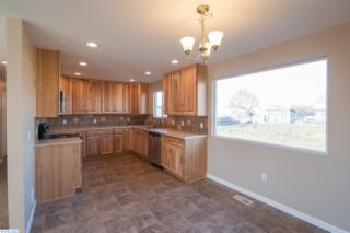 718 S Douglas  , Pasco, WA 99301 (MLS #203598) :: United Home Group Kennewick/Results Realty Group
