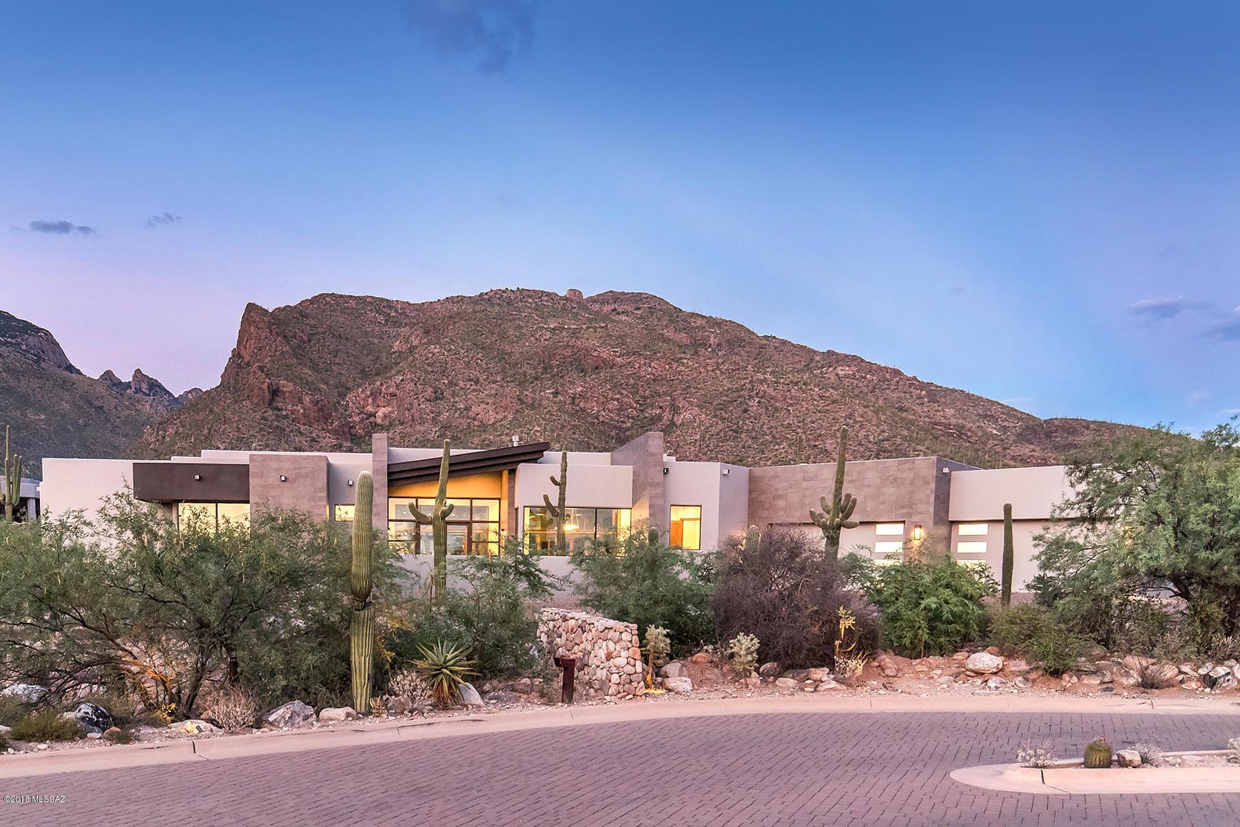 2094 E Desert Garden Drive