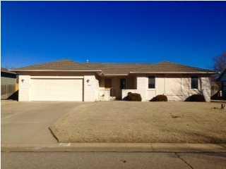 1600 E Warren Ave  , Derby, KS 67037 (MLS #378068) :: Select Homes - Mike Grbic Team