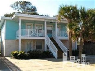 205  Florence  3, Carolina Beach, NC 28428 (#518613) :: The Keith Beatty Team