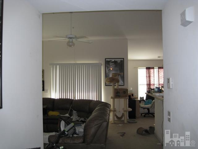 1422 Willoughby Park - Photo 2