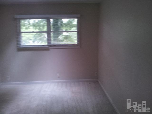 1418 Robinhood - Photo 4