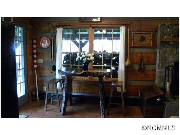 530 Strawberry Ridge Road - Photo 14