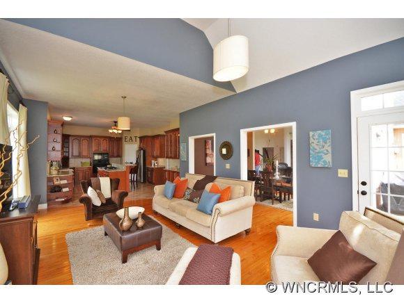 21 Nader Ave - Photo 5