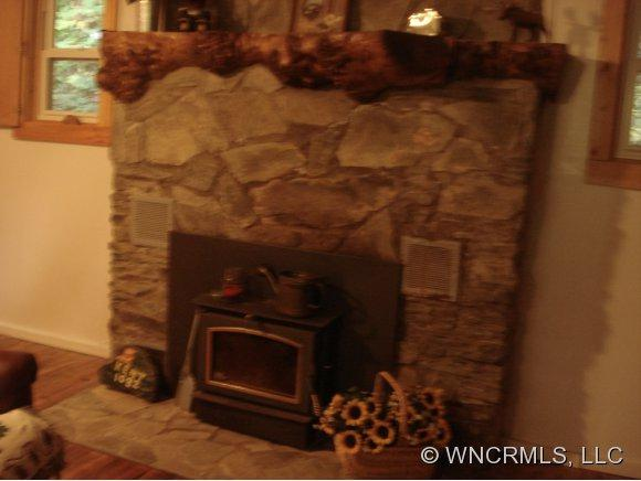 1082 Winter Star Rd - Photo 6