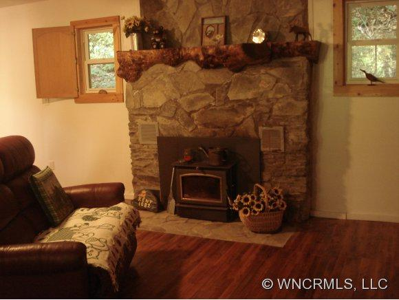 1082 Winter Star Rd - Photo 7